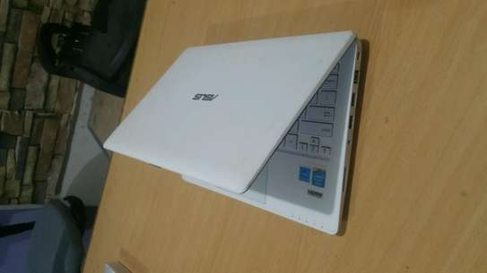 ASUS Laptop 11.6 Touch Screen image 2