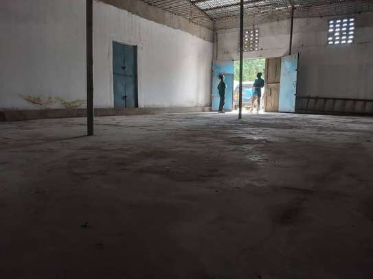 125 SQUARE METERS WAREHOUSE FOR RENT IN NYERERE HIGHWAY, DAR ES SALAAM