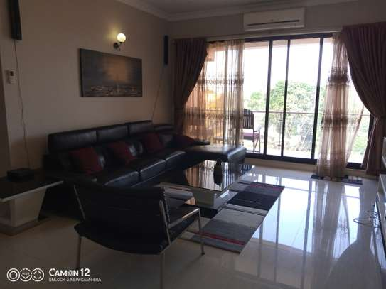 3bdrm Apartment to let in oyster bay image 2