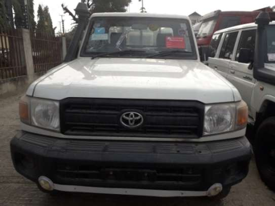 2010 Toyota Land Cruiser Pickup