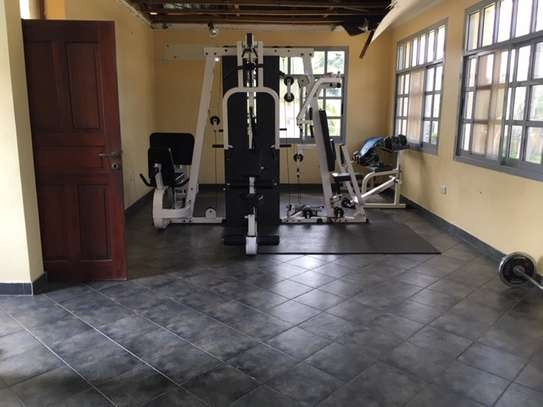 Large Villa in Gated Community, Pool & Spa not overlooked a Gym-MIKOCHENI image 10