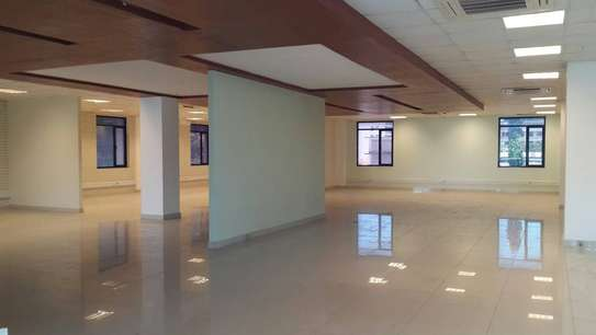 Offices from 30 sqm on a 5 story high tech building image 2