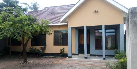 new 3BED HOUSE AT KIGAMBONI KIBADA TSH 50MLnear main rd image 1