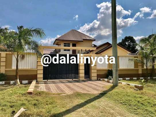 4 BDRM HOUSE AT MBEZI BEACH AFRIKANA MBEZI YA CHINI image 9