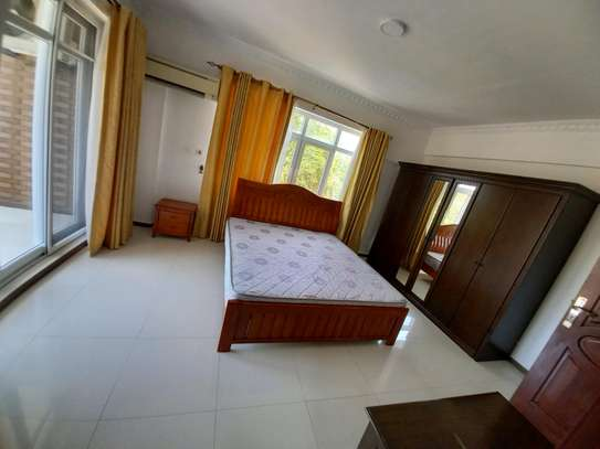 3bhk luxury apartment for rent fully furnished image 8