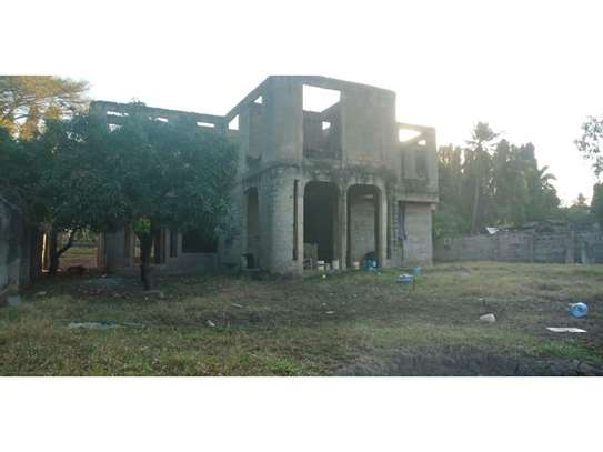 un finshed 4bed double storie at mbezi beach  1200sqm area image 10
