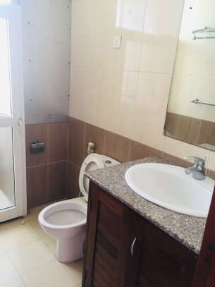 Three  bedrooms apartment for rent image 9