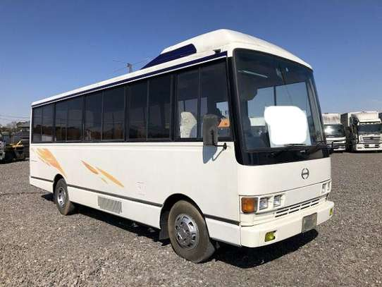 1988 Hino RAINBOW BUS 26SEATER TSHS 33MILLION ON THE ROAD