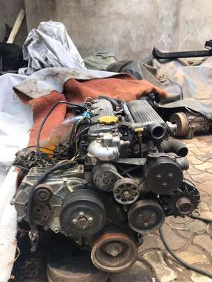 USED LAND ROVER  ENGINE 300 SERIES image 5