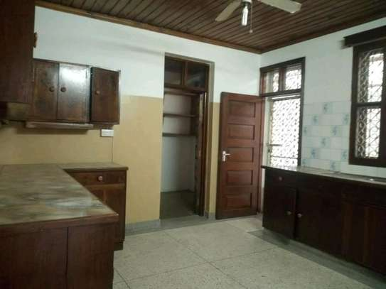 4bedroom house in Mikocheni A' to let $1200. image 3