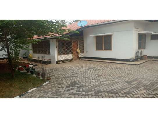 3bed house at masaki near IST  ideal for office or residance image 9