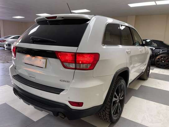 2013 Jeep Grand Cherokee image 10