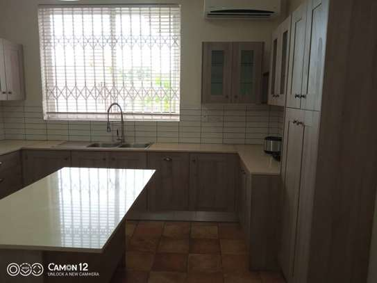4 Bdrm Town House at Oysterbay image 4