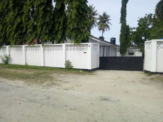 4 bed room house for rent with servant quorter at mikocheni warioba image 2