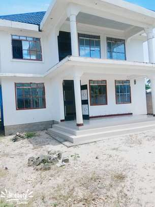Unfinished house for sale at ununio image 1