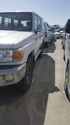 2012 Toyota HARDTOP 5DOORS  1HZ ENGINE USD27,000 UP TO DAR PORT image 10
