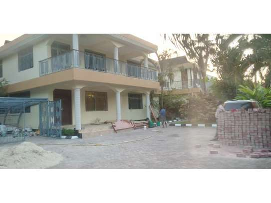 3 bed room house for rent at mikocheni image 1
