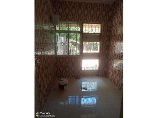 3bed  house at ada estate near leaders club tsh 1000000 image 6
