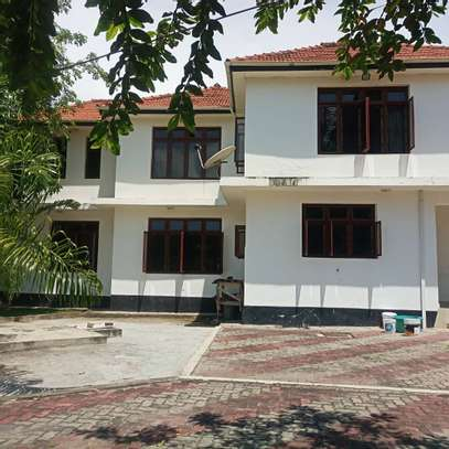 HOUSE FOR RENT AT BUNJU BEACH MOGA image 4