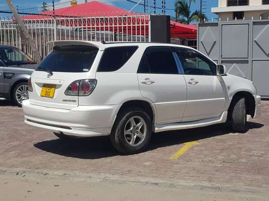 2003 Toyota Harrier image 5