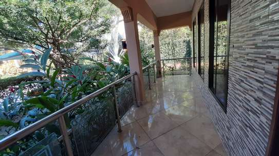 3 Bedrooms Bungalow In A Compound For Rent In Oysterbay image 3