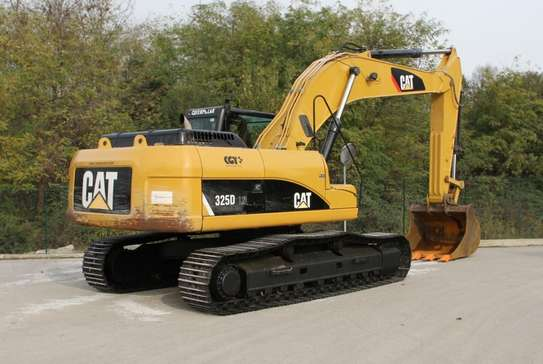 2008 Caterpillar 325D EXCAVATOR USD 60,000/=  CNF DAR PORT TSHS 170MILLION ON THE ROAD image 1