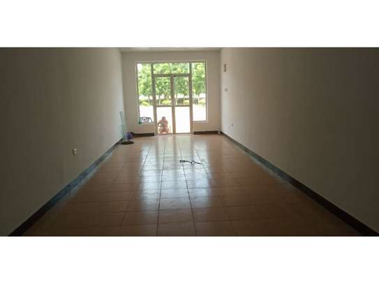 shop,offices available at  masaki main rd haileselasie 40sqm $800pm image 4