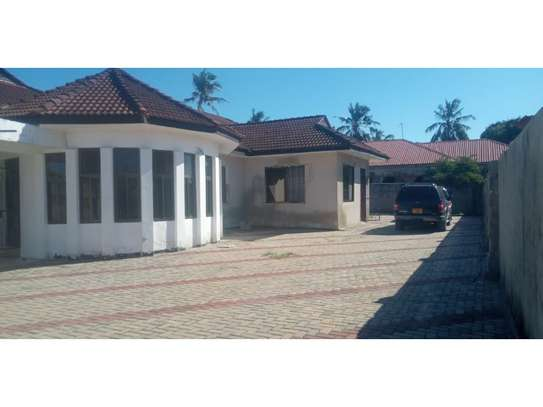 TWO houses forsale 3300sqm at mbezi beach  cheap price image 2