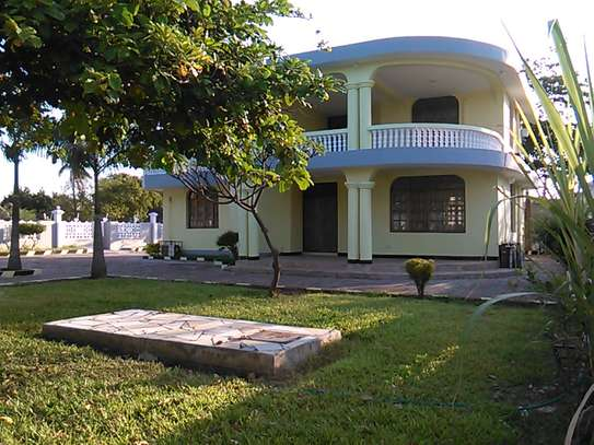 5 Bedrooms at Mbezi Beach Near Kojan Fishing image 2