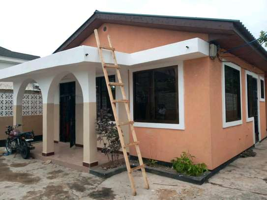 3 bdrms unfurnished House under extensive renovations to let at Sinza image 1