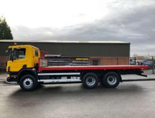 1998 Scania P94 260 6X4 FLATBED THS 91MILLION ON THE ROAD image 2