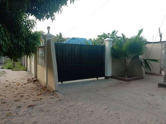 3 bed room big house for sale  at kigamboni image 7