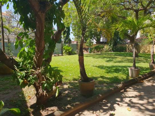 4 Bedrooms House With A Large Guest Wing For Rent in Masaki image 2