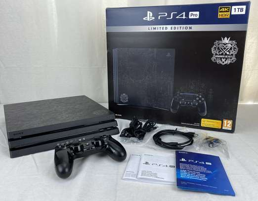 New   PS4 Pro 1TB with 2 controller with 20 Free Games
