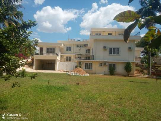 big 4bed house at oyster baywith 2 acre compound $4000pm image 11