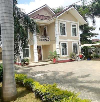 5bedroom house to let at bahari beach