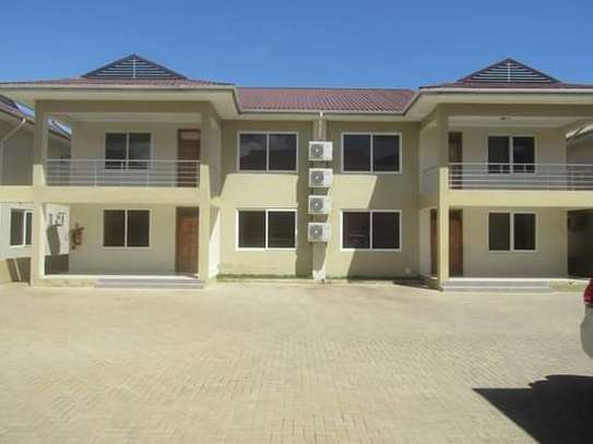 4 Bedrooms Executive Villa House in Oysterbay