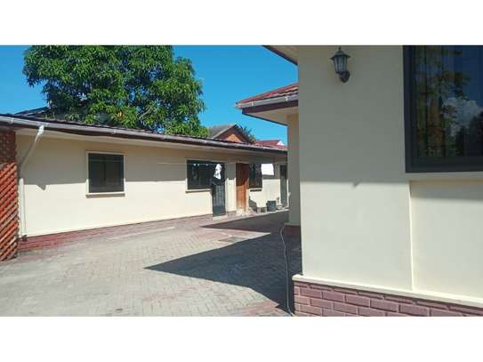 4bed house at mikocheni $1000pm image 6