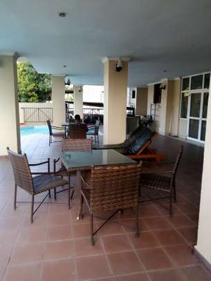 3 bedroom apartment available for rent in Upanga East image 7