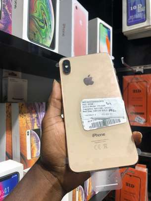 iPhone XS Max 64GB GOLD for sale image 4