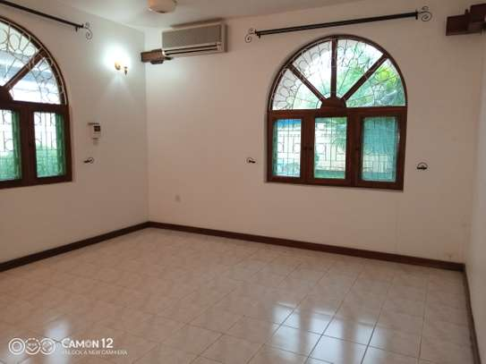 5bdrm house to let in masaki image 7