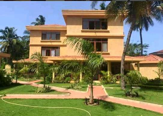 VILLA MBEZI BEACH FULL FURNISHED image 1