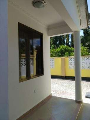 2bed furnished all  ensuet at mikocheni$400pm image 3
