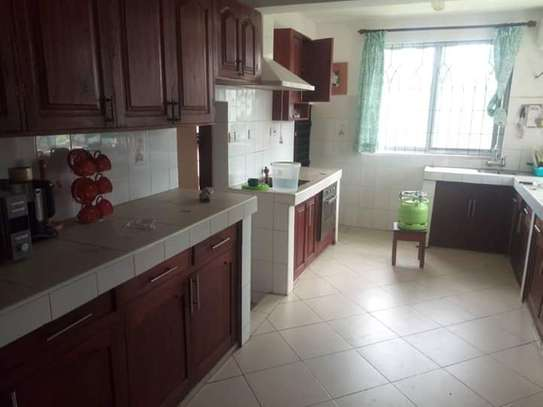LUXURY 4 BEDROOMS FULLY FURNISHED HOUSE FOR RENT AT MBEZI BEACH image 2