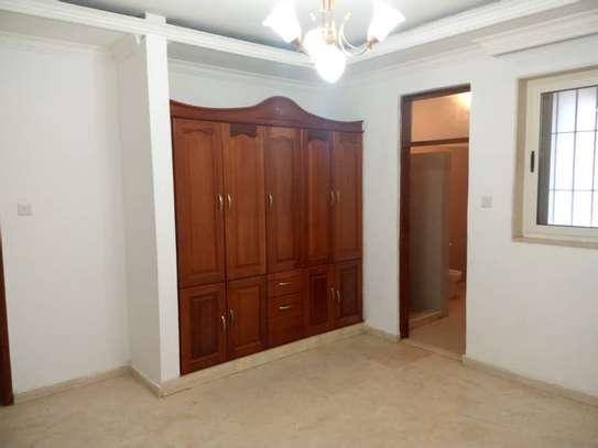 4 bed room all ensuite for rent house at avocado near tripple seven image 7