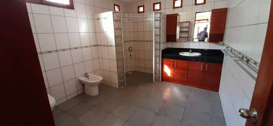 4 Bedrooms Clean House For Rent in Masaki image 9