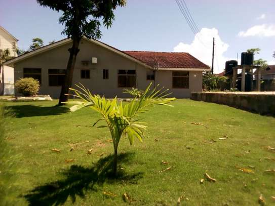 4bed house at mikocheni $1500pm image 2