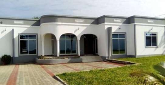 3 bed room big house for sale at kibamba hodongwa image 1