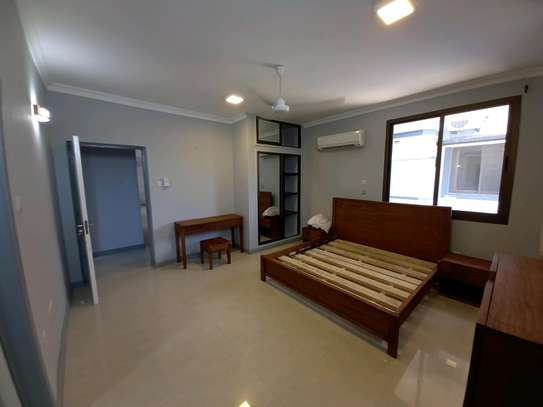 Luxury 3bhk apartment fully furnished for rent image 12
