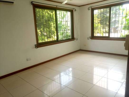 4 Bdrm Standalone House with Swimming Pool in Masaki image 10